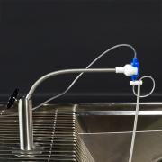 Zatrzaskowe mocowania sprężynowe do złączy obrotowych